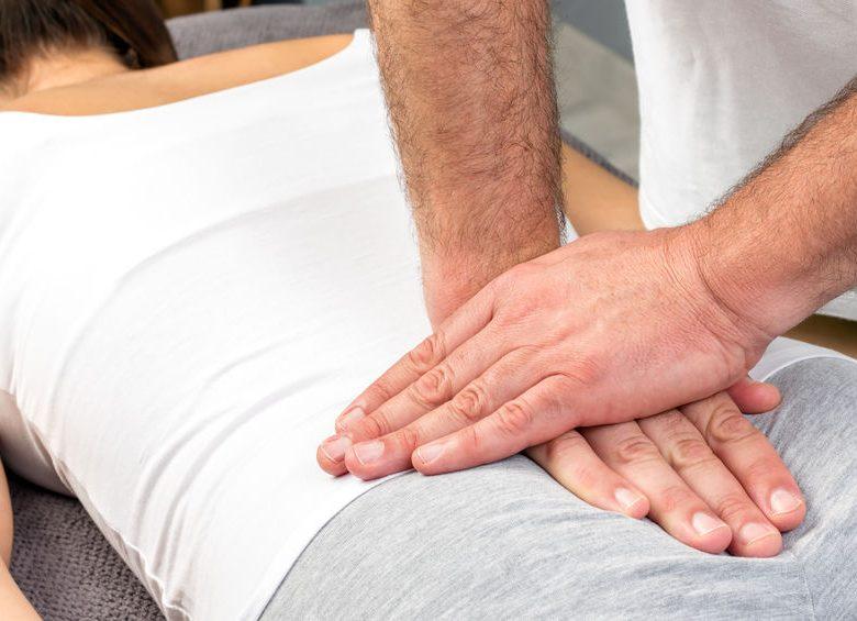 4 solutions naturelles pour soulager les douleurs au coccyx