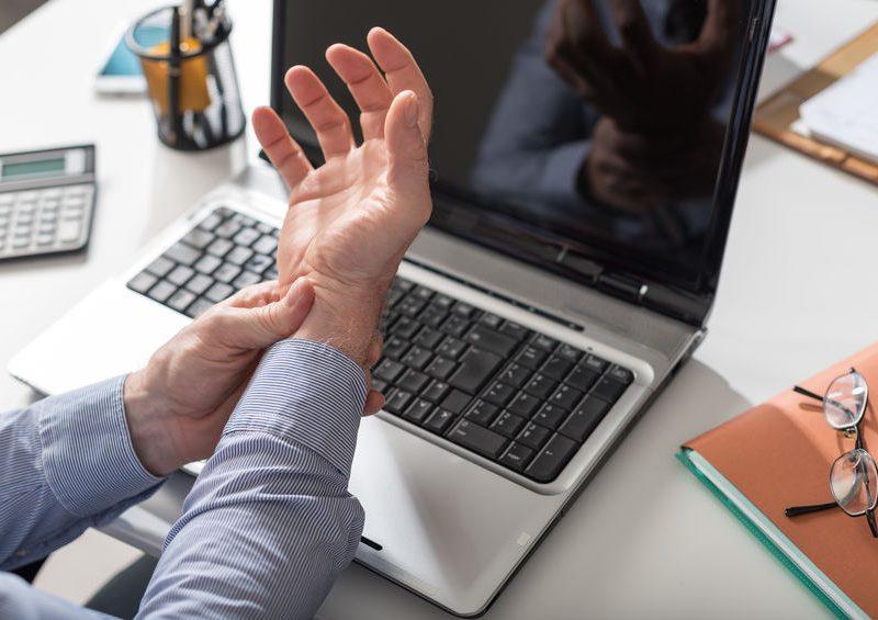 Soigner la tendinite de De Quervain avec l'ostéopathie